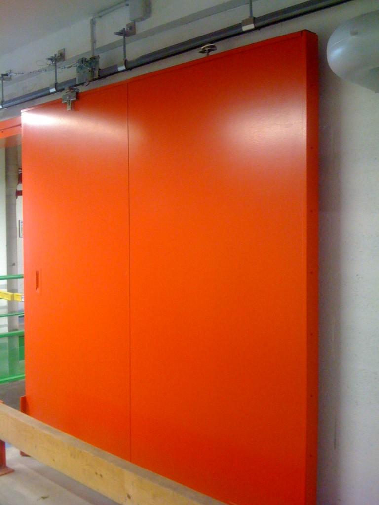 installation de porte metallique thones