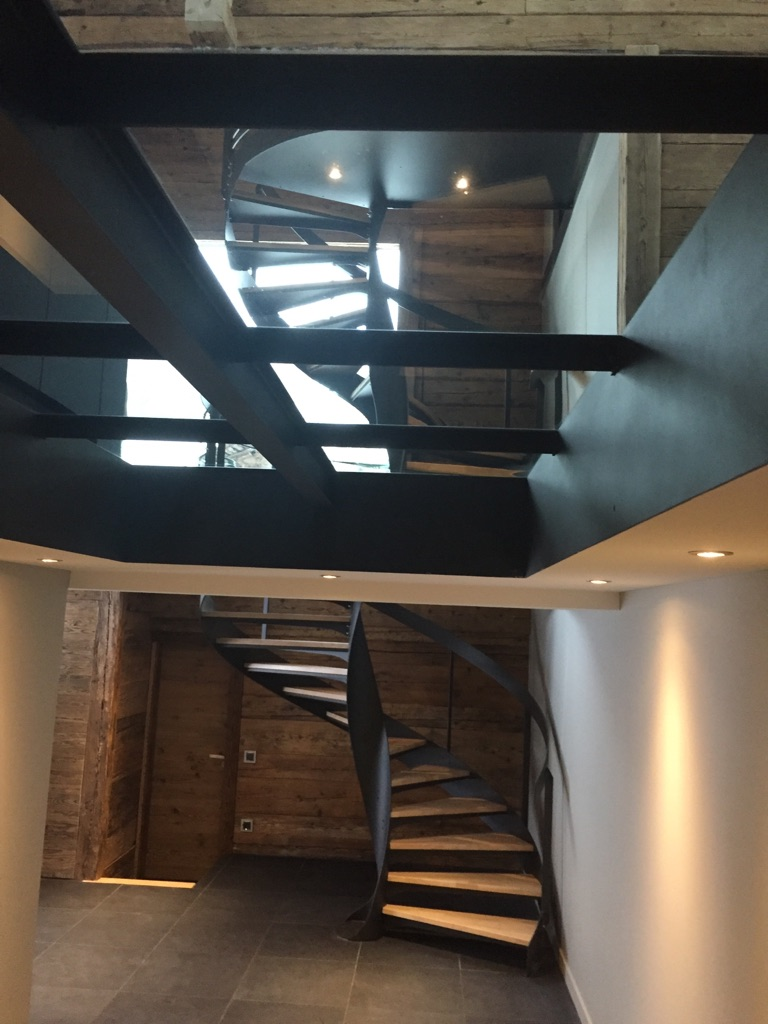 Fabricant-escalier-acier-a-La-Clusaz-2